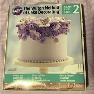 Wilton Cake Decorating kit